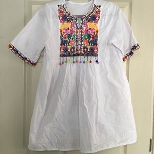 Tops - Festive white shirt/tunic